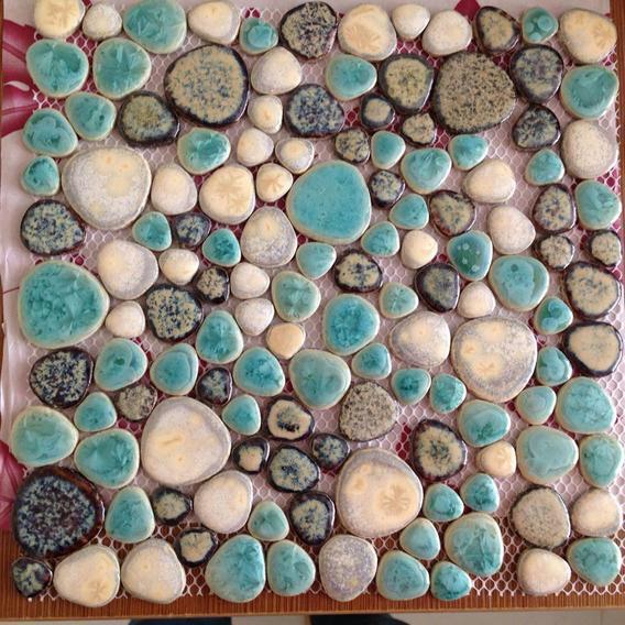 front side of porcelain pebble tile - pt004